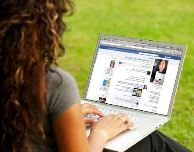 facebook-2-e1557929219145-675x529 10 Main Steps to Become a Fashion Journalist and Start Your Business