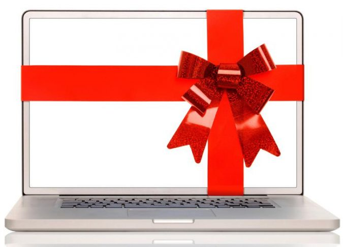 laptop-gift-675x486 8 Gift Ideas for The Grad in Your Life