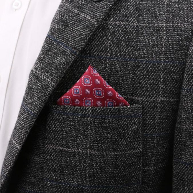 men-accessories-Pocket-square-675x675 10 Accessories Every Man Should Own