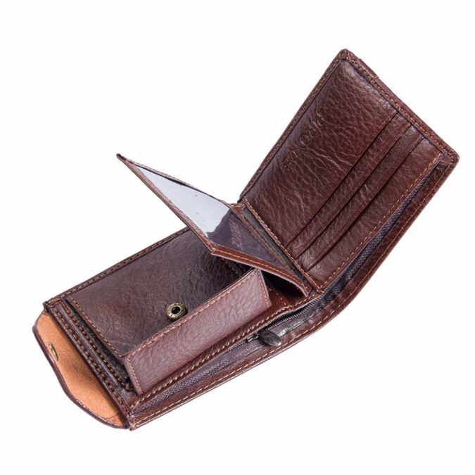 men-accessories-leather-wallet-675x675 10 Accessories Every Man Should Own