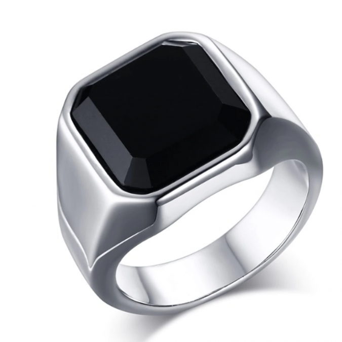 men-accessories-ring-675x675 10 Accessories Every Man Should Own