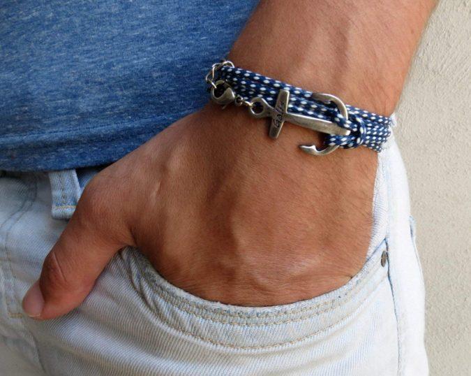 men-accessories-slender-silver-bracelet-675x538 10 Accessories Every Man Should Own