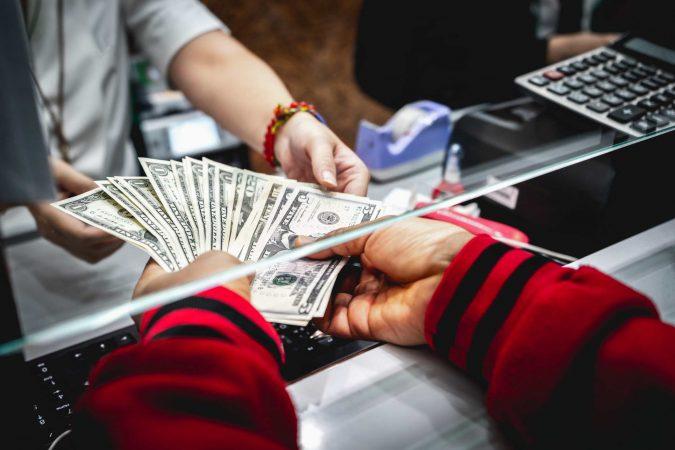 money-bank-Certificate-Deposit-675x450 Top 10 Smartest Low Risk Ways to Invest Money