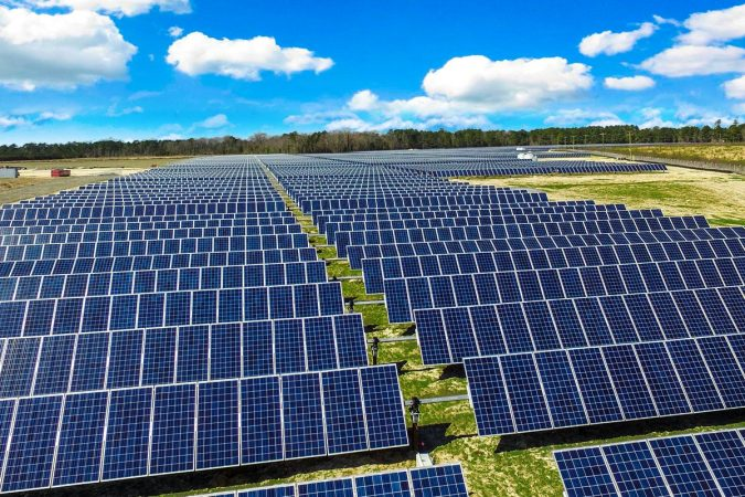 solar-farm-solar-panels-675x450 10 Reasons You Must Change to Solar Energy