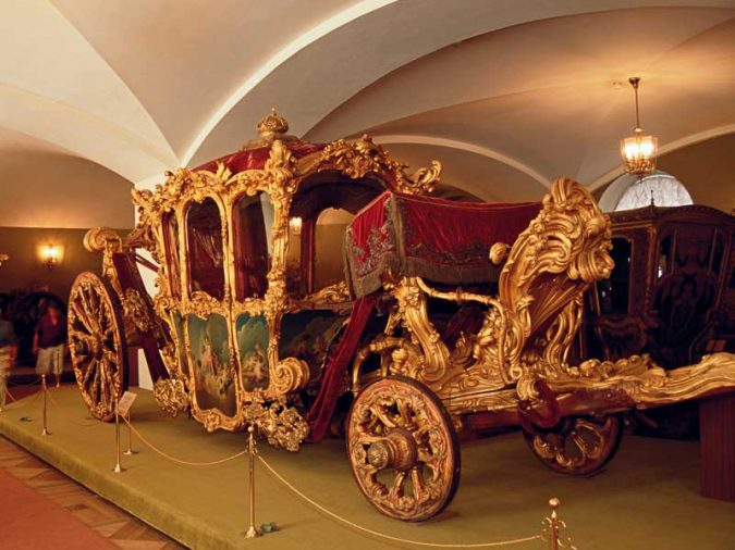 the-Armoury-treasures-in-Moscow-Russia-675x506 8 Best Travel Destinations in June