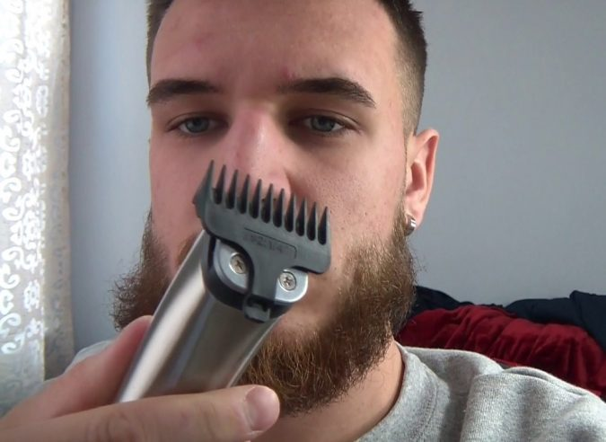 BEARD-TRIMMER-WAHL-STAINLESS-STEEL-675x492 Best 10 Professional Beard Trimmers in 2019