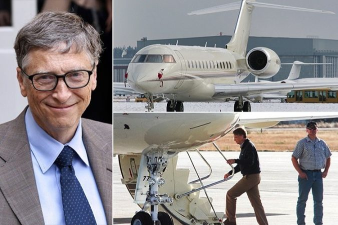 Bill-Gates-private-jet-1-675x450 15 Most Luxurious Helicopters and Private Jets Owned by Celebrities!
