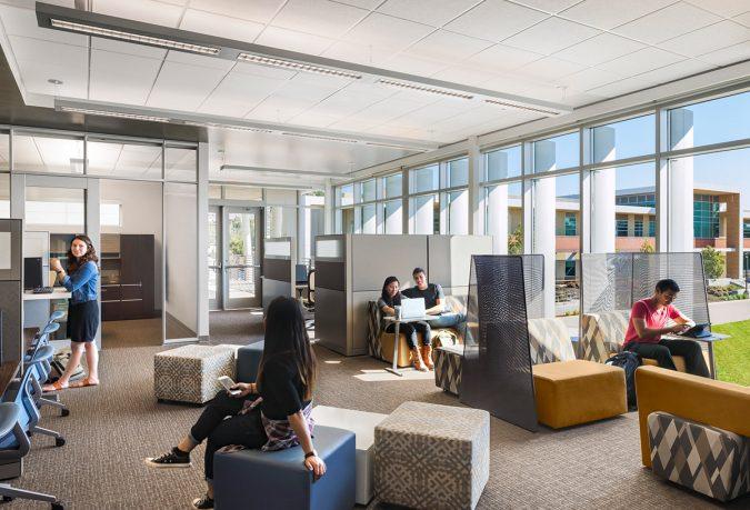 Flexible-workspace-3-675x459 Top 5 Ways to Design a Flexible Office