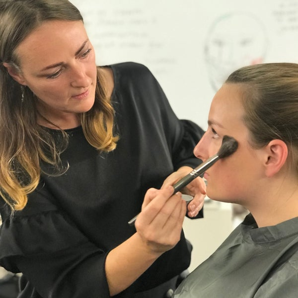 Make-up Top 10 Special Effects Makeup Schools in the USA