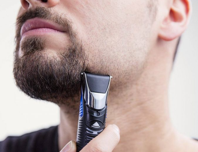 PROGLIDE-BEARD-TRIMMER-GILLETTE-FUSION.-675x516 Best 10 Professional Beard Trimmers in 2020