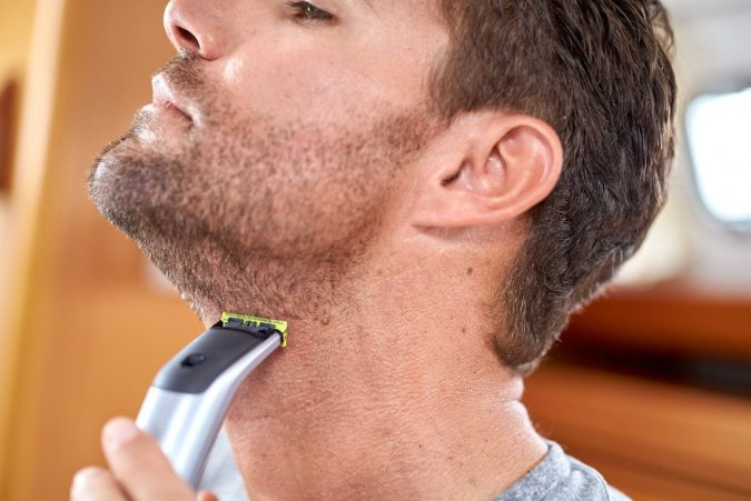 PROHYBRID-ONEBLADE-NORELCO-PHILIPS-675x451 Best 10 Professional Beard Trimmers in 2020