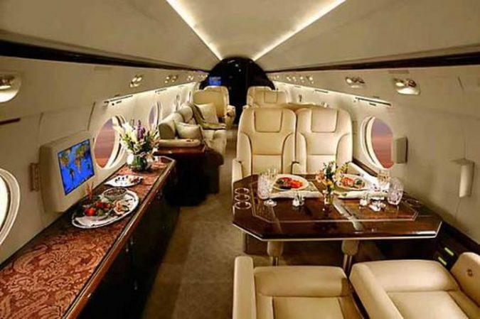 Tom-Cruise-private-jet-1-675x449 15 Most Luxurious Helicopters and Private Jets Owned by Celebrities!