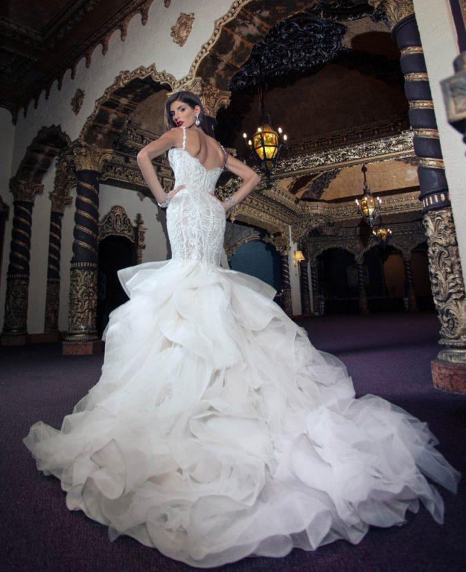 Yumi-Katsura-wedding-dress-675x828 Top 10 Most Expensive Wedding Dress Designers in 2019