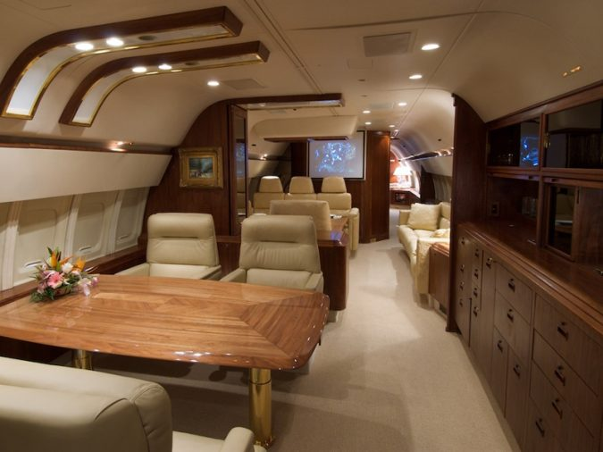 donald_trump_jet-675x506 15 Most Luxurious Helicopters and Private Jets Owned by Celebrities!