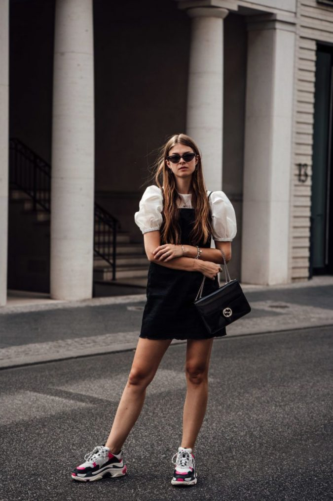 dress-outfit-with-triple-S-sneakers-675x1013 Best 20 Balenciaga Shoes Outfit Ideas for Women in 2021