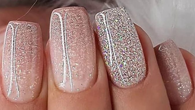 glitter-nails-675x380 +60 Hottest Nail Design Ideas for Your Graduation