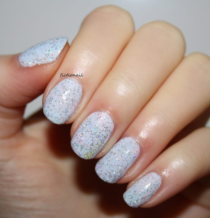 glitter-pastel-nails-675x703 +60 Hottest Nail Design Ideas for Your Graduation