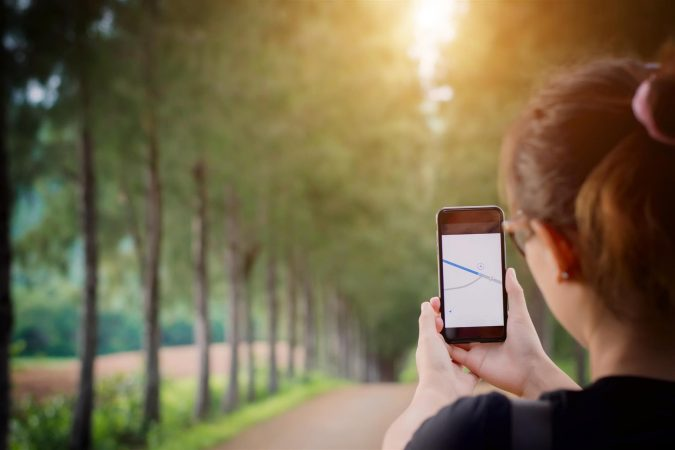 gps-running-app-mobile-675x450 Top 5 Reasons to Use Cell Phone Tracker
