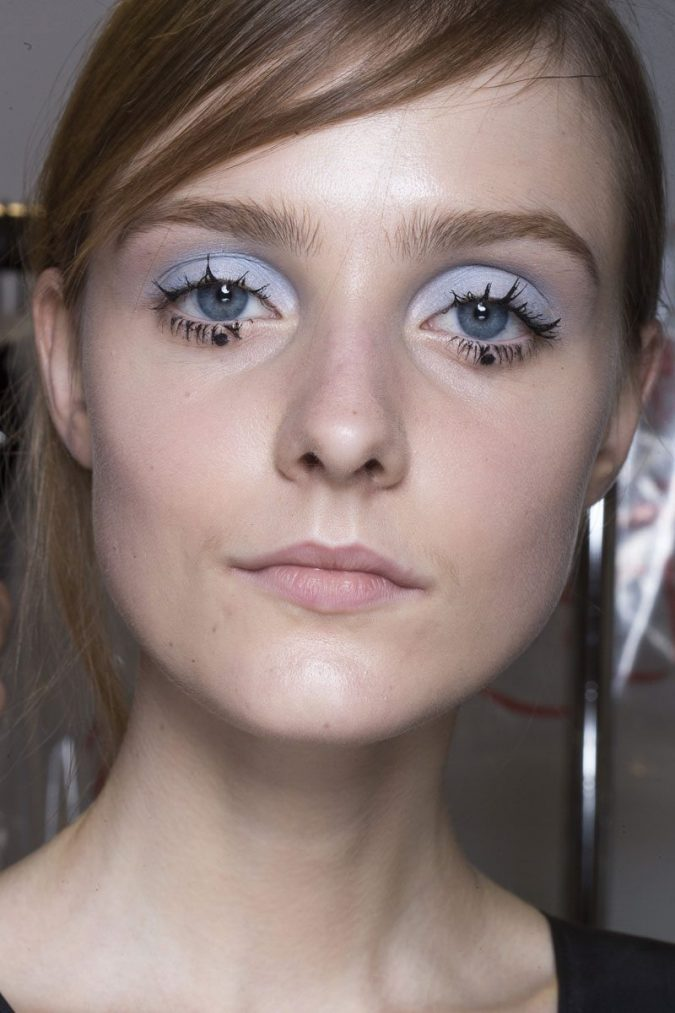 makeup-Clumpy-lashes-trend-675x1013 Top 20 Newest Eyelashes Beauty Trends in 2020