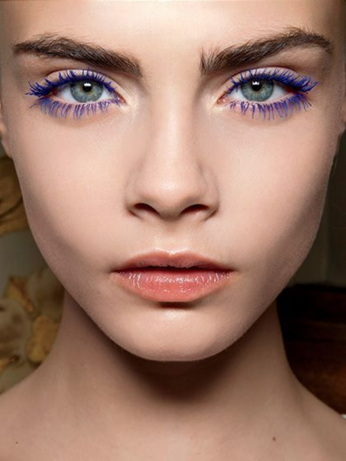 makeup-blue-mascara-675x900 20 Best Graduation Makeup Ideas and Tutorials in 2020