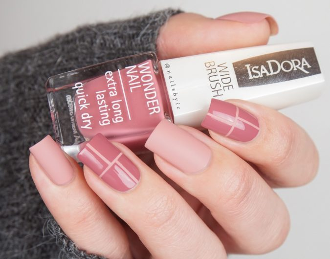 nude-nail-art-2-675x530 +60 Hottest Nail Design Ideas for Your Graduation