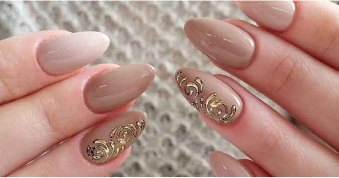 nude-nail-design-2-675x354 +60 Hottest Nail Design Ideas for Your 2019 Graduation