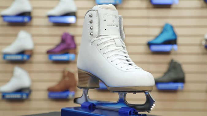 skates-675x380 How to Find the Perfect Pair of Figure Skates for You