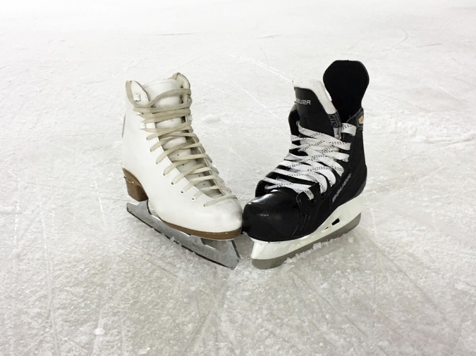 skates-675x506 How to Find the Perfect Pair of Figure Skates for You