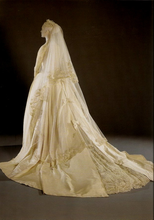 wedding-dress-by-Helen-Rose Top 10 Most Expensive Wedding Dress Designers in 2020