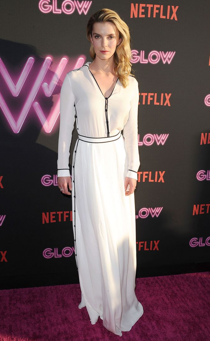 Betty-Gilpin-675x1096 Top 10 Best Celebrity Wardrobe Stylists in 2019