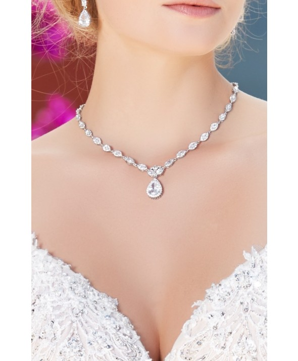 Bridal-Necklace Three Accessories That Brides Shouldn't Skip