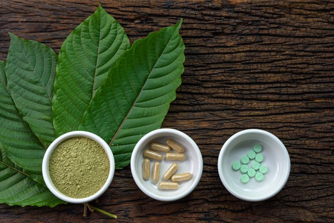 Kratom-plant-extracts-675x450 Who Is a Good Candidate to Buy Kratom Powder and Capsules?