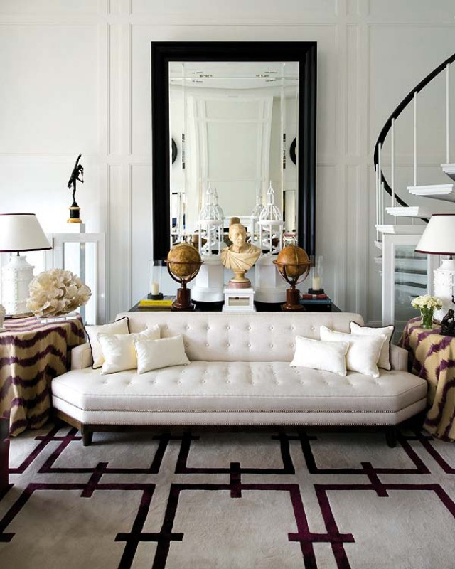 classic-modern-home-in-spain-living-room 11 Tips on Mixing Antique and Modern Décor Styles