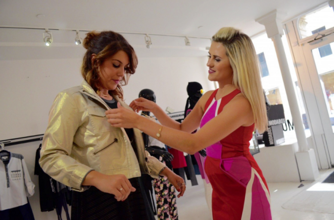 fashion-stylist.-675x444 Top 10 Steps to Become a Celebrity Stylist and Start Your Fashion Business