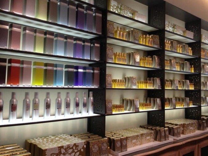 fragrance-store-675x506 A Man's Ultimate Guide to Choosing the Best Fragrance