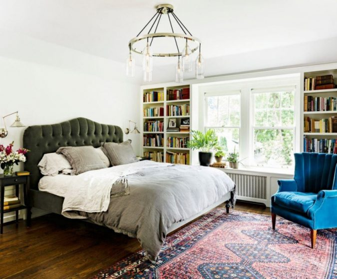 modern-classic-home-interior-bedroom-675x558 11 Tips on Mixing Antique and Modern Décor Styles
