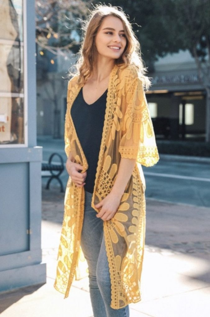 summer-outfit-with-kimono-cardigan-675x1017 10 Wardrobe Essentials Inspired by Summer 2020 Fashion Trends