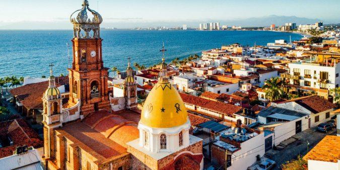 Puerto-Vallarta-675x338 Your Guide for Luxurious Lifestyle in Puerto Vallarta