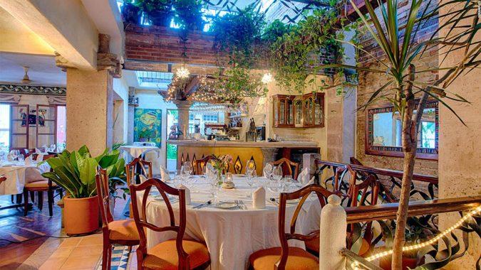 Puerto-Vallarta-restaurants-675x380 Your Guide for Luxurious Lifestyle in Puerto Vallarta