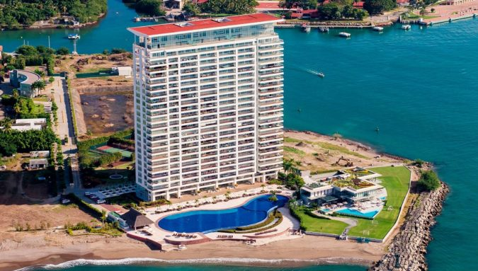Tres-Mares.-675x383 Your Guide for Luxurious Lifestyle in Puerto Vallarta