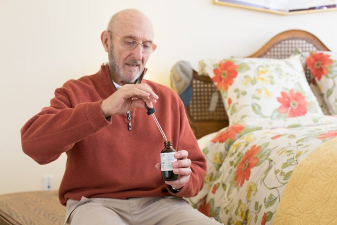 cannabis-oil-alzheimer-patients-675x450 Top 15 Medical Uses of CBD Oil That You Should Know