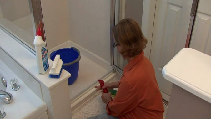 clean-the-bathroom-675x380 6 Most Essential Things in Your Home to Keep Clean