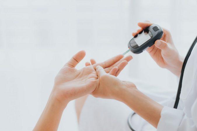 diabetic-diabetes-675x450 Best 10 Hemp Oil Uses and Benefits