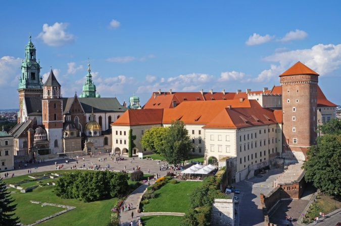 krakow-Wawel-Castle-675x449 Top 12 Unforgettable Things to Do in Krakow
