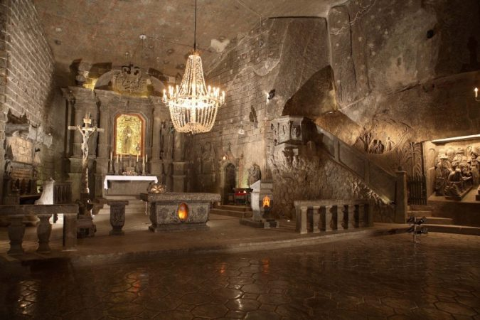 krakow-Wieliczka-Salt-Mine-2-675x450 Top 12 Unforgettable Things to Do in Krakow