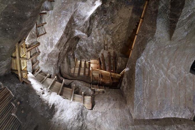 krakow-Wieliczka-Salt-Mine-675x450 Top 12 Unforgettable Things to Do in Krakow