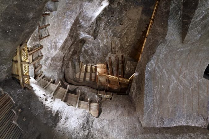 krakow-Wieliczka-Salt-Mine-675x450 Top 12 Unforgettable Things to Do in Krakow