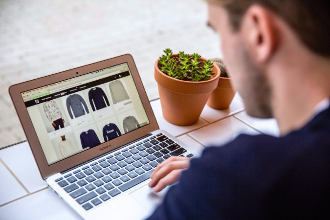 online-shopping-with-stylist-1-675x450 Top 10 Fashion Forecasting Techniques