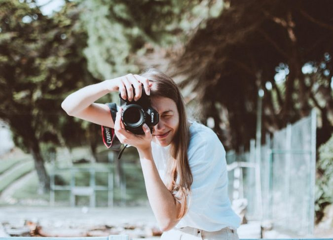 photographer-photography-675x487 Top 10 Best Photography Tips for Travelers