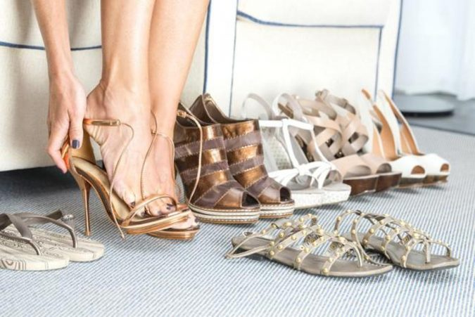 shopping-shoes-store-1-675x451 Top 10 Fashion Forecasting Techniques